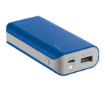 Trust Primo Blue Portable charger with USB port and built-in 4400 mAh battery to charge your phone and tablet anywhere